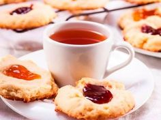 These jam-filled cookies are easy to love. They require a few ingredients you're likely to already have in your cupboard. Jam Cookies, Filled Cookies, Cake Recipes, Dessert Recipes, Juicer Recipes, South African Recipes, Desserts To Make, Biscuit Recipe, Cooking Recipes