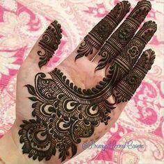 Latest Henna Mehndi Design Images For Hands - Kurti Blouse Indian Mehndi Designs, Modern Mehndi Designs, Mehndi Designs For Beginners, Mehndi Design Pictures, Mehndi Designs For Girls, Mehndi Designs For Fingers, Beautiful Henna Designs, Henna Tattoo Designs, Mehandi Designs