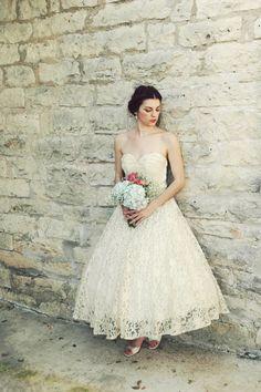 1950s Tea Length Wedding Dress / Vintage Antique Ivory Lace