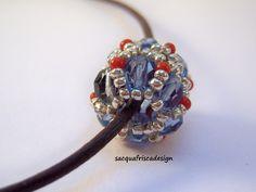 Mezzi cristalli e perline indiane.