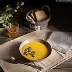 Pumpkin soup with ginger and granola #cookingmesoftly #soup #pumpkin #cookingmesoftlyfoodblog #ginger #cookingmesoflyblog #veggie