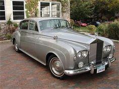 Now that's a good lookin' car! 1965 Rolls Royce Silver Cloud III