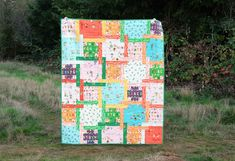 The Judy Quilt in Kinder | Kitchen Table Quilting Postage Stamp Quilt, How To Finish A Quilt, Homemade Christmas Gifts, Baby Quilts, Kid Quilts, Quilt Making, Quilt Patterns, Sewing Projects, Quilting