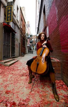 Avant garde cellist Zoe Keating