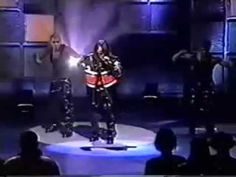 Aaliyah- If Your Girl Only Knew [Live At The Apollo] 96' - YouTube