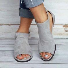 Women Plus Size Wedges Ankle Strap Peep Toe Wedge Sandals Peep Toe Shoes, Peep Toe Wedges, Wedge Sandals, Low Wedges, Comfy Shoes, Cute Shoes, Look Fashion, Fashion Shoes, Fashion 2018