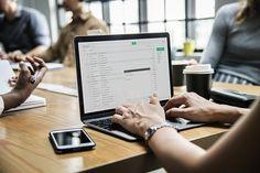 Recenzia senior datovania webových stránok