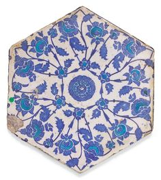 AN IZNIK HEXAGONAL BLUE AND TURQUOISE POTTERY TILE, TURKEY, FIRST-HALF 16TH CENTURY | Arts of the Islamic World | Sotheby's