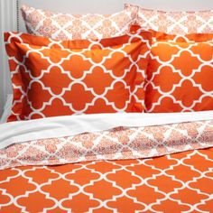 These sheets would be fab under my duvet cover. Love this pattern. And the bright color. :)