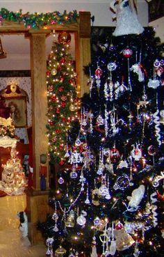 Black Christmas Tree Decorations, 2013 Black Christmas Tree crystal balls Decorations  #Black #Christmas #Tree #Decorations  www.loveitsomuch.com