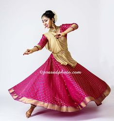 Kathak Dance photography by Prasad & Maria. Indian Classical Dance, Orange County photographer, Newport Beach, CA. Dance Picture Poses, Dance Poses, Dance Pictures, Kathak Costume, Kathak Dance, Dance Photography Poses, Indian Classical Dance, Bollywood Outfits, Dance Art