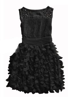Black ruffles, loveee
