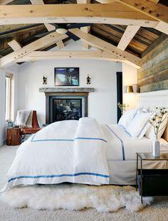 Cabin Style, Interior Design, Relaxing Bedroom, Home, Headboard Styles, Elegant Master Bedroom, Rustic Cabin, Rustic Bedroom, Home Decor