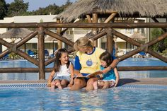 The Star friends care for them just like you would. They will have fun. . #pool # kids #vacation #Iberostar #Starfriends #relax #enjoy