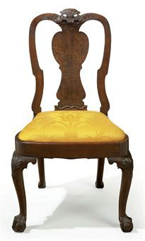 THE VAN CORTLANDT FAMILY QUEEN ANNE CARVED WALNUT AND WALNUT VENEERED SIDE CHAIR  CARVING ATTRIBUTED TO JOHN WELCH (1711-1789), BOSTON, 1735-1750,  38½ in. high