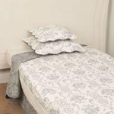 Sauvanne vintage halvány szürke mintás ágytakaró 180x260 cm