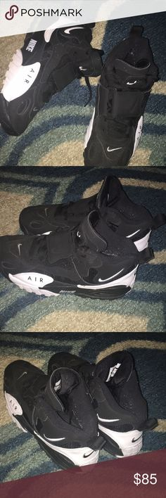 the best attitude 2ddd5 ed3e2 Nike Air hi top sneakers size 10 Great pair of sneaker See photos for  details Pre owned but still in excellent condition Nike Shoes Sneakers