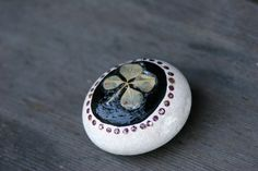 Handpainted Rocks CLOVER by IcecreamTrees on Etsy