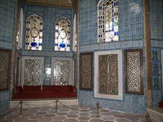 Istanbul, Turkey: Topkapi Palace (Sarayi), Revan Kiosk: interior with inlaid (mother-of-pearl) wood shutters and (Iznik) tiles