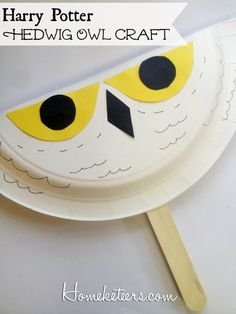 Easy Kids Crafts – Harry Potter Hedwig Owl Fan - Crafts for adult Hedwig Harry Potter, Harry Potter Thema, Classe Harry Potter, Theme Harry Potter, Harry Potter Birthday, Owl Crafts, Paper Plate Crafts, Harry Potter Enfants, Harry Potter Activities