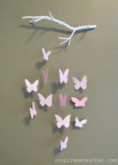 Bastelideen aus Papier - Blumen, Girlanden und Türkränze Butterfly Mobile (with tutorial!)Butterfly Mobile (with tutorial! Kids Crafts, Home Crafts, Diy And Crafts, Diy Crafts For Room Decor, Diy Paper Crafts, Paper Room Decor, Art And Craft, Baby Crafts, Paper Butterflies