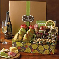 New Yearu0027s Founders Favorites Snack Gift Box With Sparkling Wine