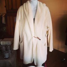 Winter White Ultimate happy cozy! Missy Robertson coat with bone clasp.