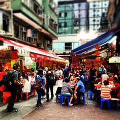 Hidden gem in the busy Causeway Bay. Does anyone know which part of it? ^^ #allabouthongkong