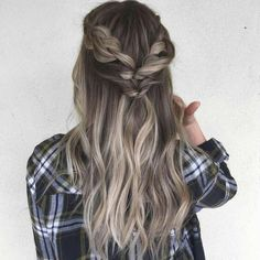 56 Edgy Long Blonde Urban Chic Girls Hairstyle Ideas Lately there have been many women who apply blonde hairstyles. So that the hair color that was originally dark, … Long Natural Hair, Medium Long Hair, Medium Hair Styles, Natural Hair Styles, Short Hair Styles, U Cut Hairstyle, Pretty Hairstyles, Girl Hairstyles, Braided Hairstyles