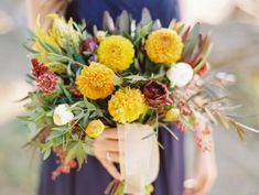 Autumn picnic wedding inspiration | Photo by Jeff Brummett | Read more - http://www.100layercake.com/blog/?p=81842