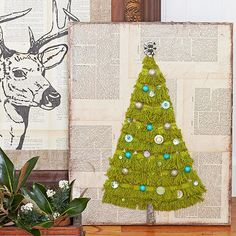 Christmas DIY for the Walls: Fringe Christmas Tree