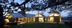 5134c495b3fc4b6c22000186_jamberoo-farm-house-casey-brown-architecture_jamberoo_farm_house_pbh_046.jpg (2000×788)