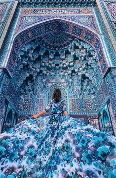What a beautiful blue! I love this photo. It's taken in a Mosque in Saint Petersburg Russia. Use for your best travel pics Tag a travel addicted Beautiful World, Beautiful Places, Beautiful Pictures, Beautiful Mosques, Beautiful Scenery, Wonderful Places, Beautiful Landscapes, Islamic Architecture, Art And Architecture
