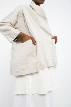 Clyde Jacket in Midweight Linen – Elizabeth Suzann Simple Style, My Style, Linen Jackets, Vogue, Mode Inspiration, Handmade Clothes, Minimalist Fashion, Capsule Wardrobe, Personal Style