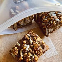 Transferred to reusable pouch from to put in the fridge so that we've got some delicious snacks for the weekend! Healthy Toddler Snacks, Healthy School Lunches, Toddler Food, Toddler Meals, Healthy Breakfast Recipes, Mini Blueberry Muffins, Mini Muffins, Lunch Box Recipes, Baby Food Recipes