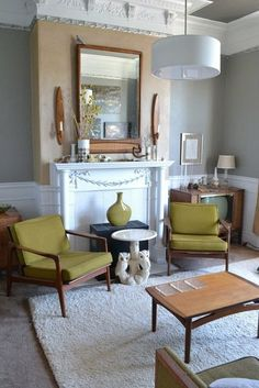 Space Planning Secrets: 5 Ways to Love Your Living Room Layout / Apartment Therapy Vintage Room, Room Colors, Livingroom Layout, Living Room Green, Home And Living, Room Layout, Home Decor, Room, Living Room Furniture