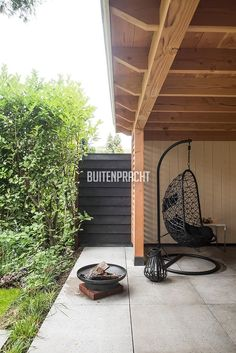 2 Backyard Cabin, Backyard Patio Designs, Backyard Pergola, Garden Pizza, Pergola Pictures, Covered Decks, Shed Design, Garden Buildings, Shed Plans