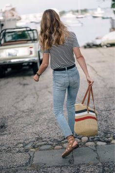Love this whole look! Have a shirt similar just need jeans like this! #coastalstylefashion