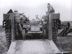 An SAS jeep sits inside a Buffalo amphibious landing craft before the crossing of the Elbe on 29 April 1945 British Army Regiments, Special Air Service, Super 4, Willys Mb, Landing Craft, British Armed Forces, Special Forces, World War Two, Military Vehicles