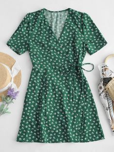 Green wrap dress outfit fall ideas for 2020 Wrap Dress Outfit, Wrap Dress Floral, The Dress, Dress Outfits, Cute Outfits, Fashion Outfits, Dress Fashion, Knot Dress, Floral Tie