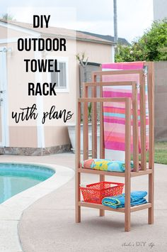 DIY outdoor freestanding towel rack. Pool towel rack with shelves. Can be used indoors or outdoors. #woodworkingprojects #outdoorliving #outdoor #outdoordecor #outdoordiyplans #woodworking