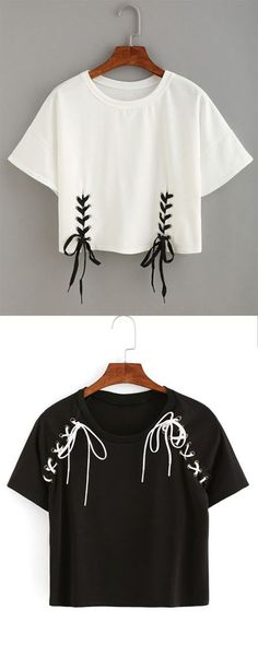 Double lace-up hem crop t-shirt . ♥ my closet ♥ diy shirt, diy fashion, diy Diy Camisa, Vêtement Harris Tweed, Diy Kleidung, Diy Vetement, Customise T Shirt, Diy Couture, T Shirt Diy, Diy Tshirt Ideas, Diy Lace Up Tshirt