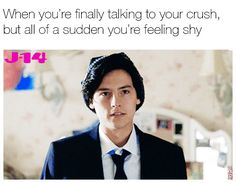 It's Christmas time, and we're ready to have our iconic mistletoe kiss, whether it's in reality or just through Riverdale memes. Yep, we've been planning this moment since prett… Bughead Riverdale, Riverdale Funny, Riverdale Memes, Jughead Jones Aesthetic, Head Memes, Riverdale Betty And Jughead, Riverdale Cole Sprouse, Crush Memes, Funny Relatable Memes