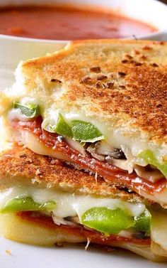Pepperoni Pizza Grilled Cheese ~ Two classic comfort foods jammed into one!