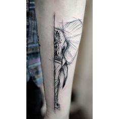 Geometrisches Tattoo - Via Kamil Mokot - DIY - Tattoo Geometric Elephant Tattoo, Geometric Tattoo Design, Elephant Tattoos, Animal Tattoos, Diy Tattoo, Form Tattoo, Shape Tattoo, Tattoos For Kids, Trendy Tattoos