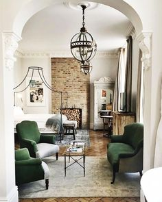 British It Girls Love These London Hotels (and You Will Too) (MyDomaine) London Hotels, Home Bedroom, Bedroom Decor, Bedrooms, Bedroom Inspo, Interior Design Living Room, Living Room Decor, Rustic Loft, Design Blogs