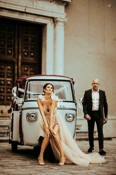 Bride and groom in an italian street posing next to a classic moped by AnaRossoPhotography Italian Street, Wedding Dresses Photos, World Best Photos, Photo Contest, Beautiful Bride, Groom, Wedding Photography, Poses, Classic
