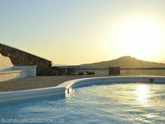 Welcome to the luxury Mykonos villa Argus! Its location in Ornos is ideal for partying since it is only km from Mykonos center and km from the. Mykonos Villas, Villa Pool, Thalia, Luxury, Outdoor Decor, Home, Ad Home, Homes, Haus