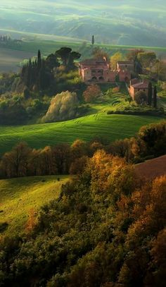 Val d' Orcia, Toscane, Italië, www.nl/italie (by david Wright) Places Around The World, The Places Youll Go, Places To See, Places To Travel, Around The Worlds, Travel Destinations, Wonderful Places, Beautiful Places, Tuscany Italy