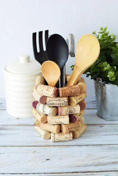 DIY Cork Kitchen Utensil Holder #winecorks #winecorkcrafts #utensilholder